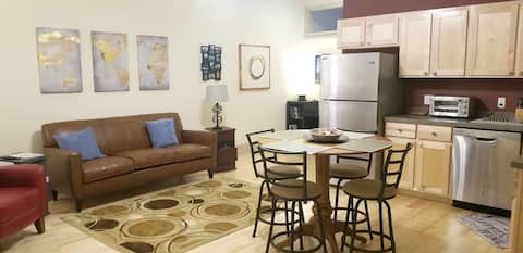 Downtown Executive Apartment-heart of Great Falls