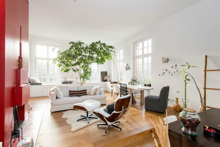 Loft feeling and very central