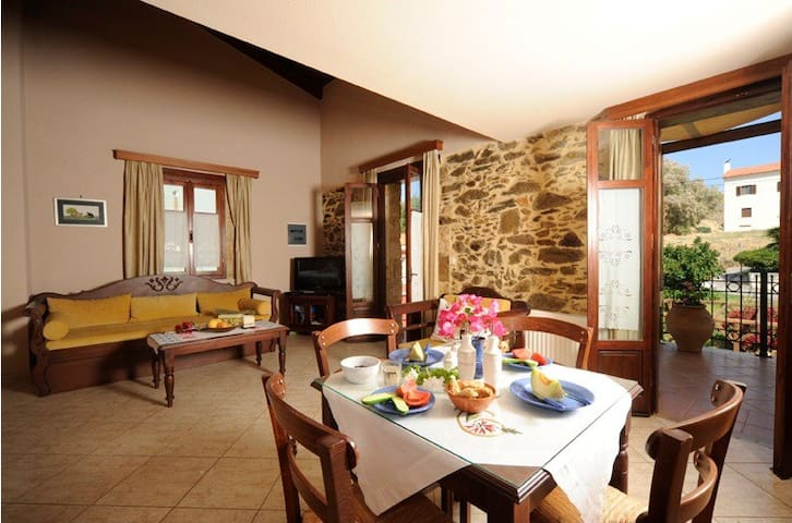 Cozy apartment in beautiful Panormo - Панормо - Lägenhet