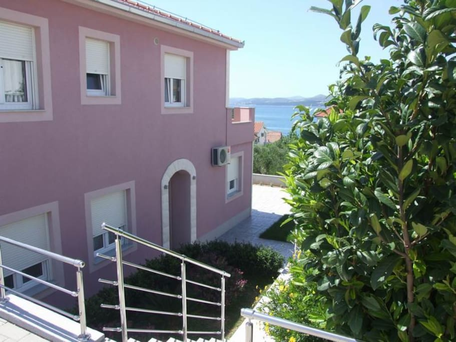 Villa MIRELA close to beach :-)))))))))