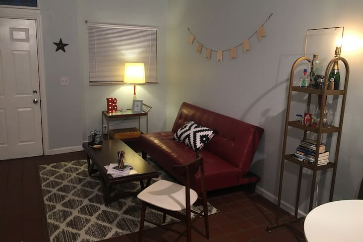Eclectic Apt in the Heart of Historic Soulard