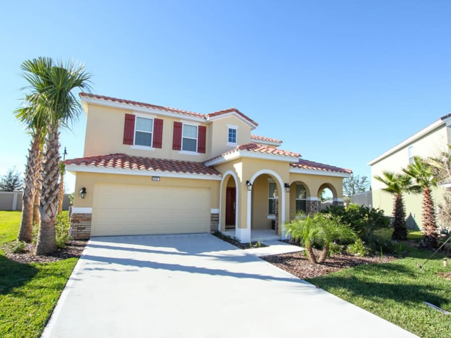 Solterra 5bd 4 5ba ph 5st12 houses for rent in for Big houses in florida