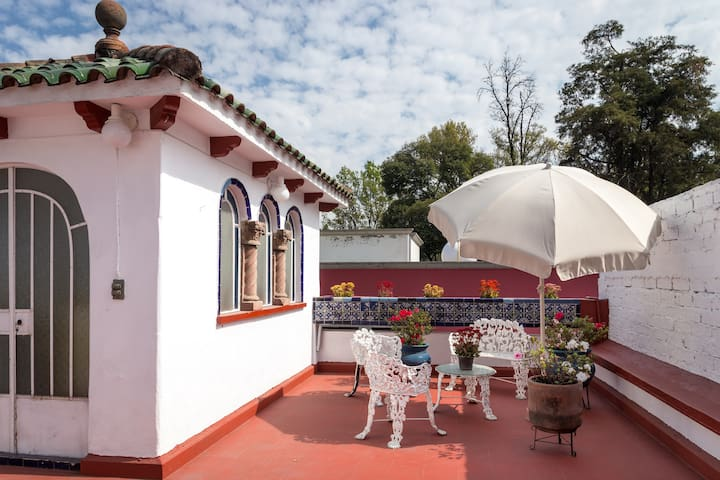 Beautiful house at Coyoacan center