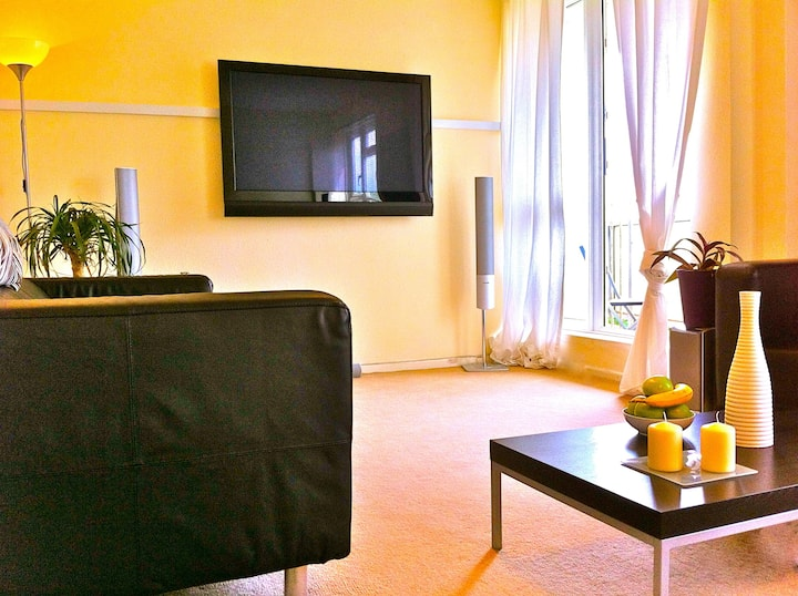 STYLISH 2-BED APARTM.HIGH RISE SW11