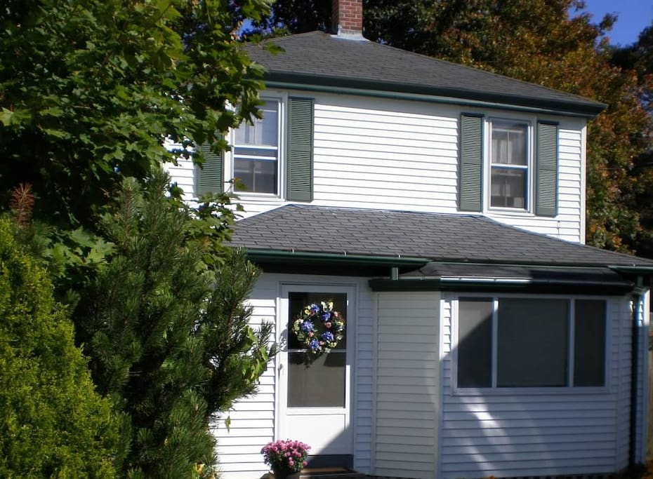 Our lovely Blue Rose Cottage in downtown Bar Harbor Village!