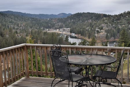 Stunning 180˚ Lake and Scenic View - Crestline