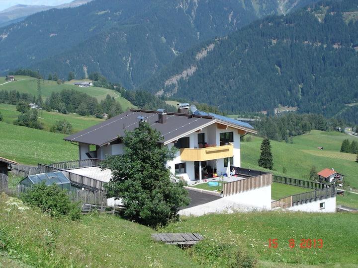 Ferienwohnung in der schönen Berglandschaft Tirols