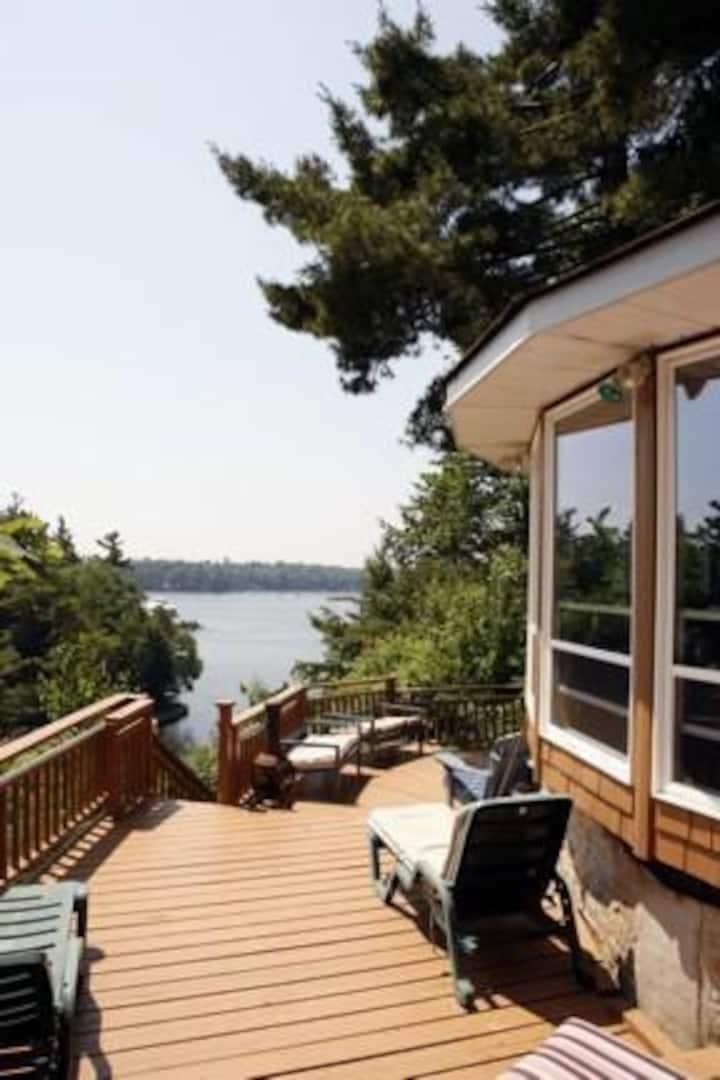 Waterfront Villa @ Smugglers Summit