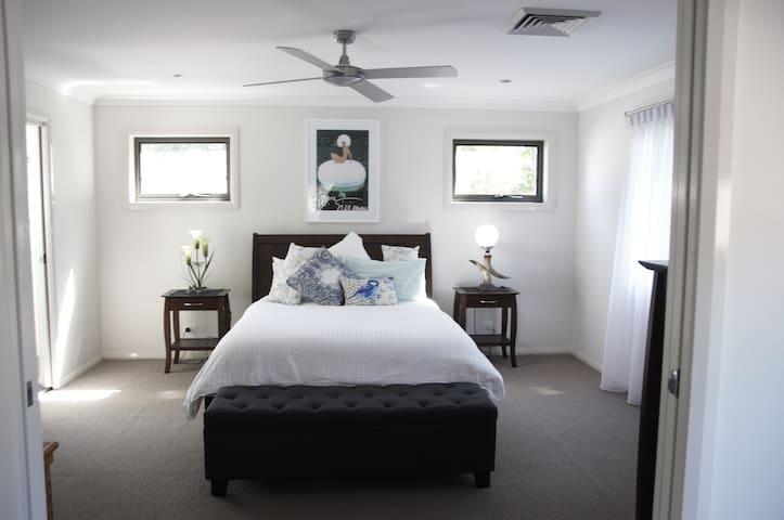 Maryville XL Luxurious Apartment, Newcastle