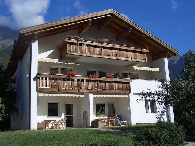 Ferienwohnung/App. für 2 Gäste mit 45m² in Rabland (76218)