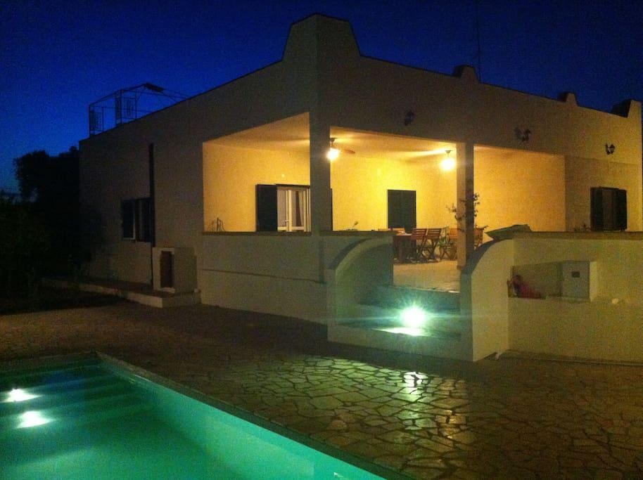 Villa et sa terrasse vue piscine