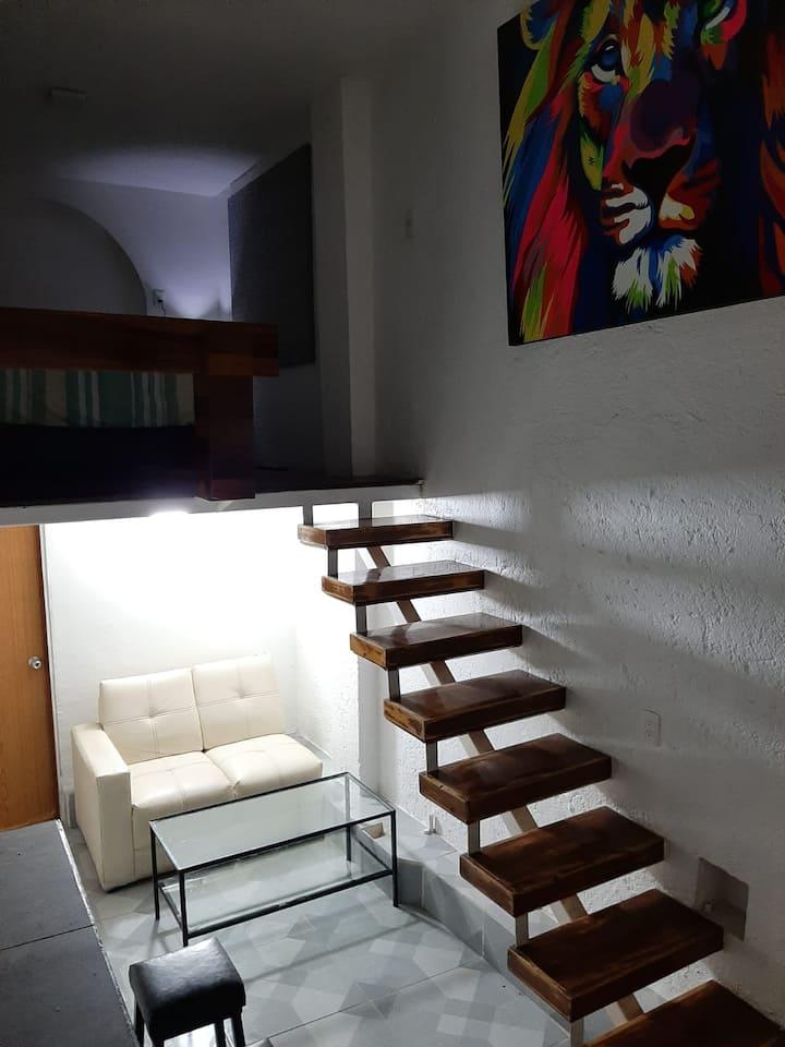 Loft amueblado StaMa La Rivera excelente ubicacion