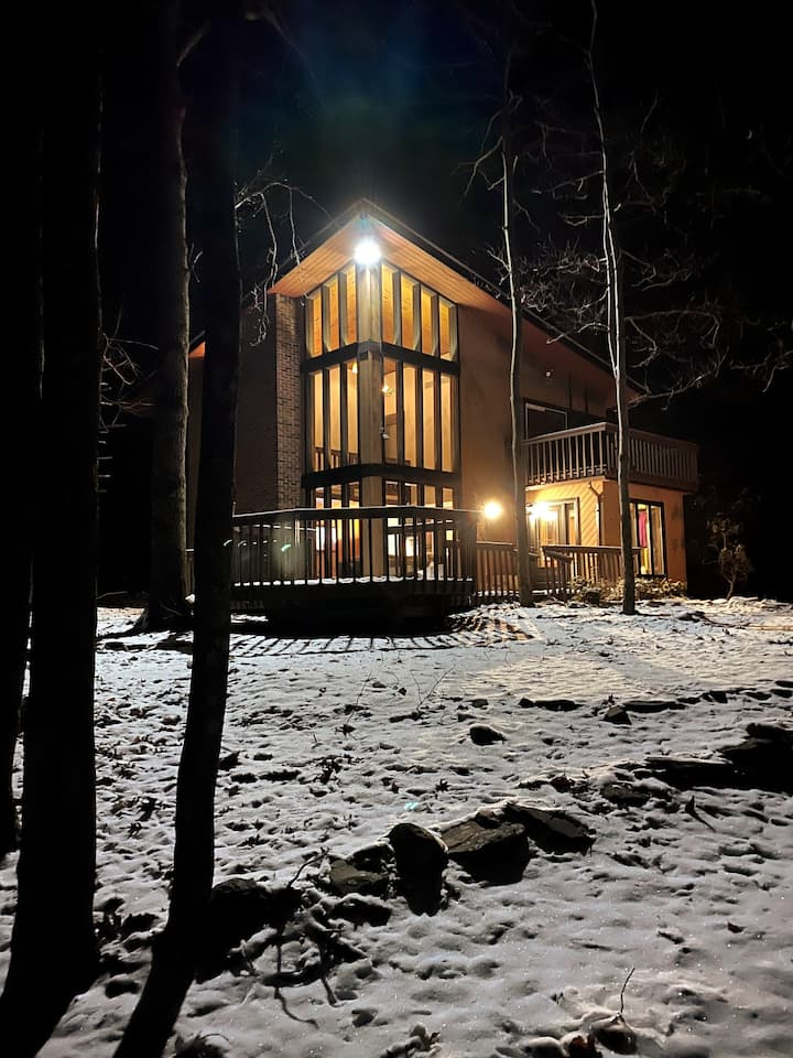 Cobble Creek Chalet in the Poconos
