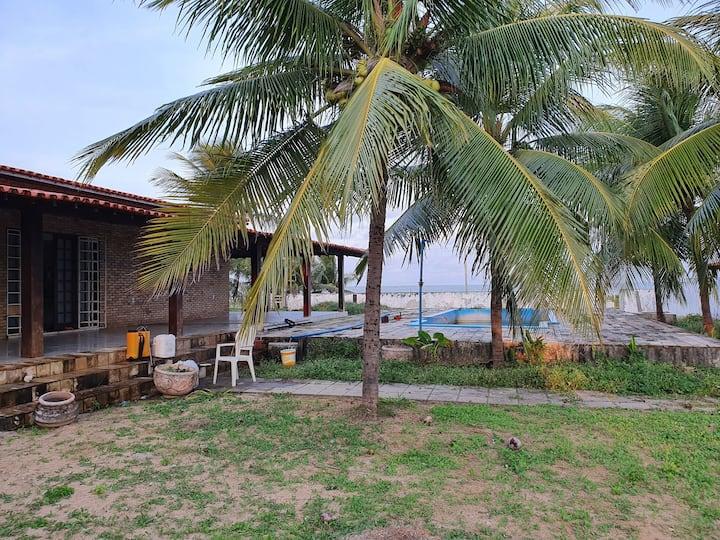 Bangalô à beira mar em Lucena (1)