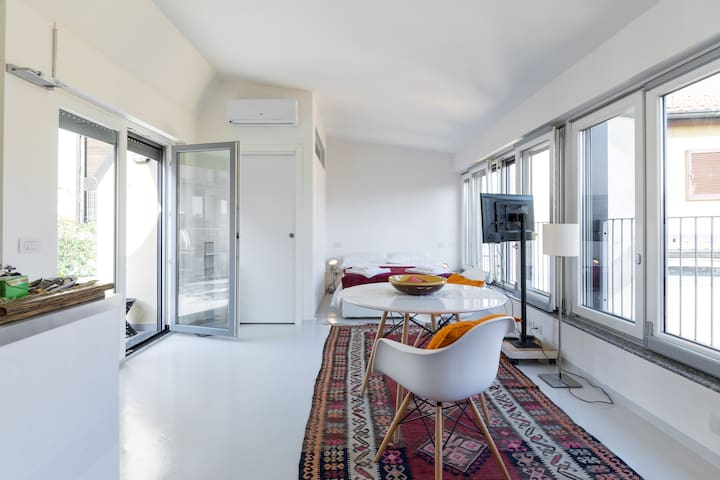Amazing studio with terrace and view!Brera, center