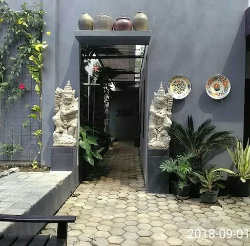 Rooms entrance