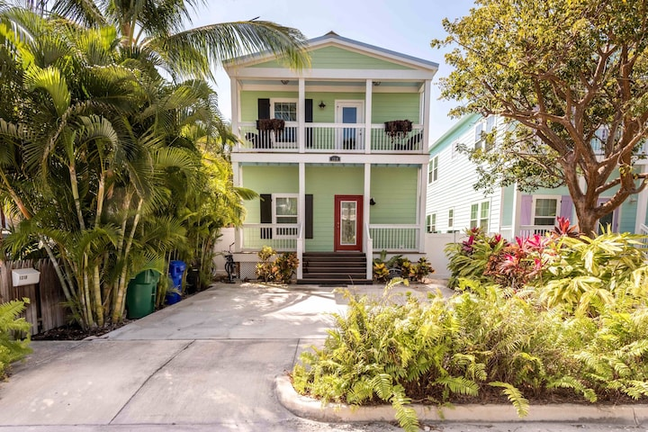 Dog-friendly home w/ private pool - walk to parks, shopping, & the beach!