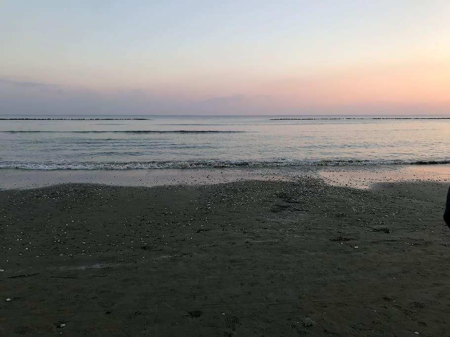 2 min walk to the sea