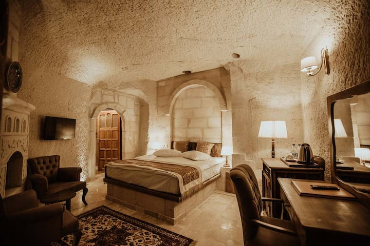 Cave  Hotel in City  Center