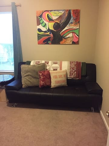 Cozy Room with Futon - Bluffton - House
