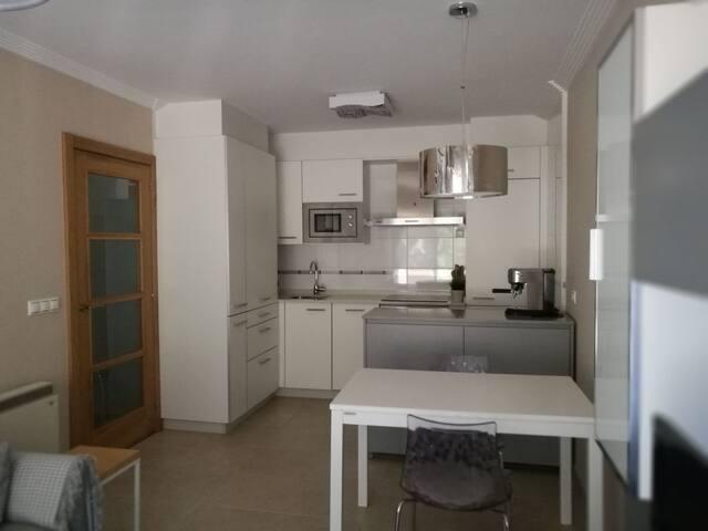 Apartamento tranquilo  en Boiro con vistas al mar