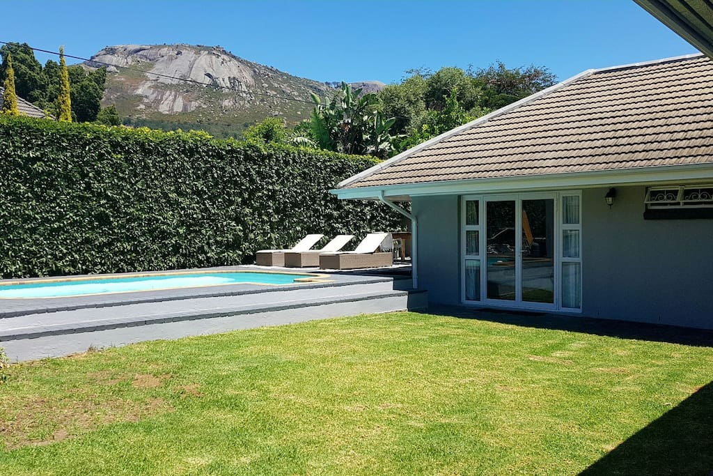 Lovely pool area with views of Paarl rock