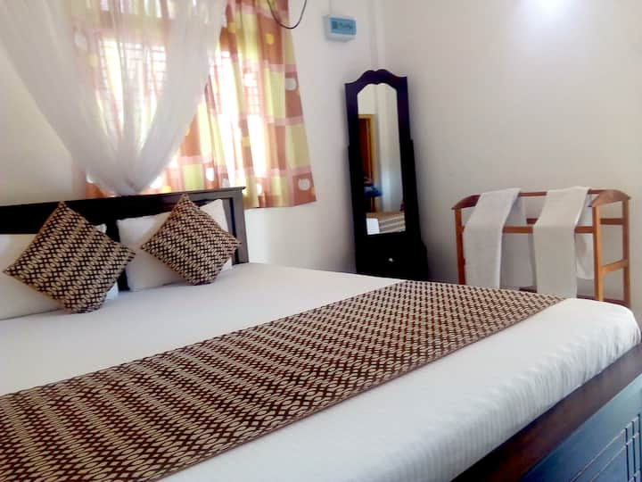 The Golden Park - Standard Double Room GF B