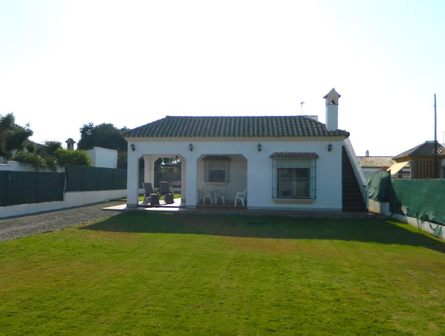 Casa y jardín