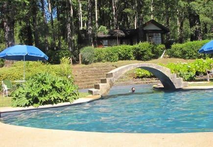 Casa entre el bosque y el Lago Caburgua - Caburgua