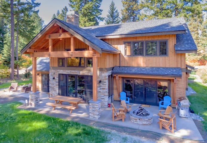 Sleepy Moose Lodge at Suncadia - New!-Stunning Retreat on the Course! | 4BR | 4BA | Hot Tub | WiFi