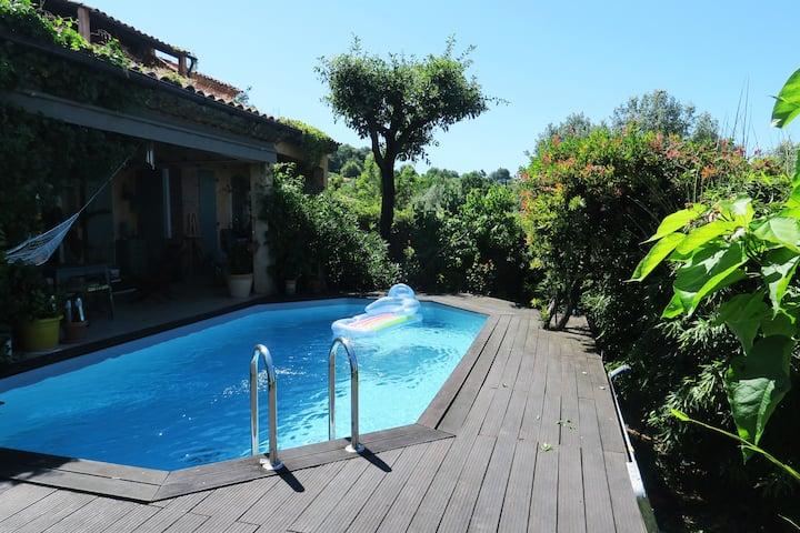 Appartement villa avec vue et piscine
