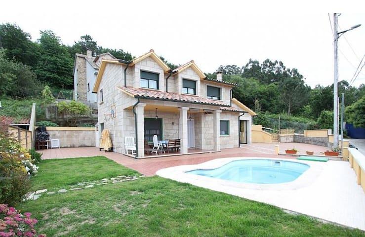 Casa con piscina - Pontevedra