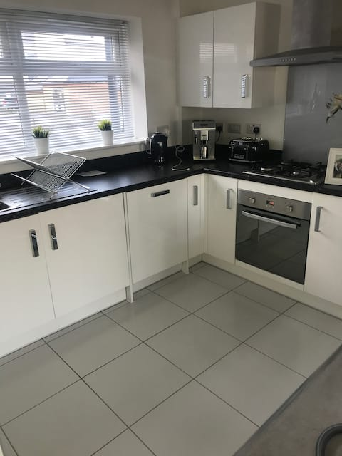 Immaculate new apartment close to Cribbs Causeway