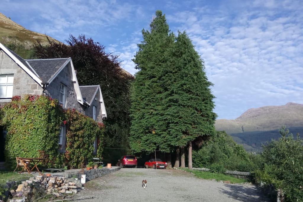 Ben Duirinnis House and Ben Cruachan