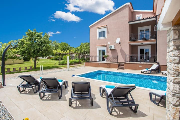 Villa Lara with pool, 4 km distant from the sea