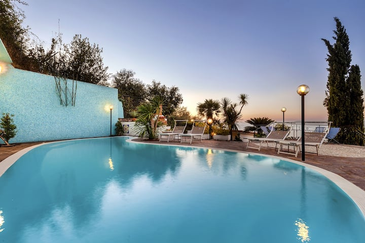 Villa Bianca 1 with Private Swimming Pool, Sea View, Terraces, Parking and Barbecue