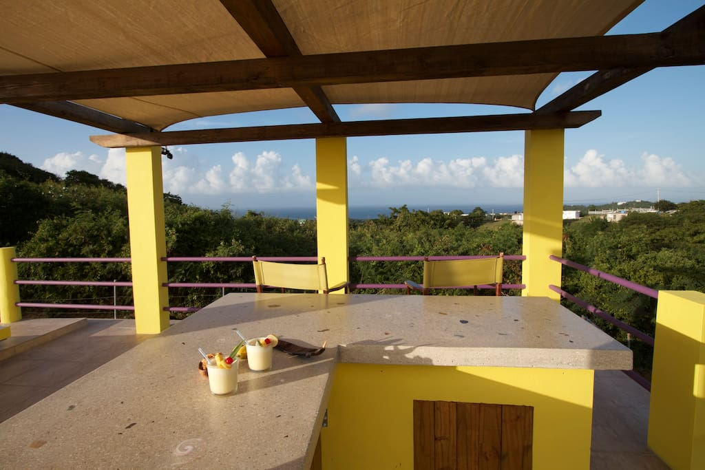 Welcome to Joses Paradise and our roof top view of Culebra!