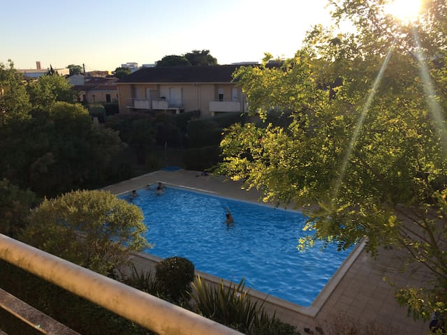 Superbe appart 70m2 piscine aux portes de bordeaux for Appartement bordeaux 70m2