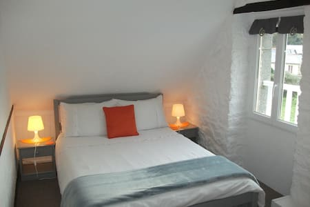 Le Mont St Michel- Room for 2 - Aamiaismajoitus
