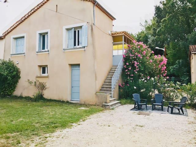 A 5 min du centre de Valence, maison avec parking