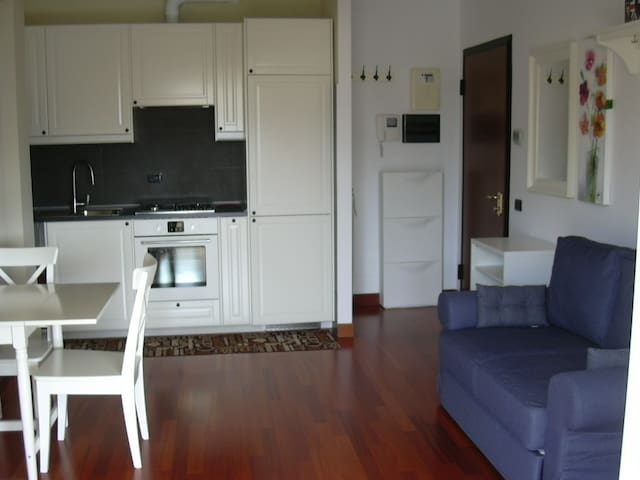nice apartment sleeps three - Magenta - Apartamento