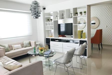 Ana's Apt Best Place in Santiago - Santiago De Los Caballeros - Apartemen