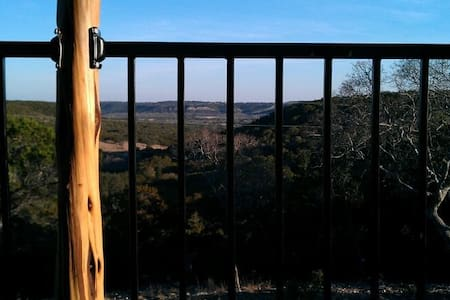 Buttercup Hill Scenic Cabins (AA) - Wimberley