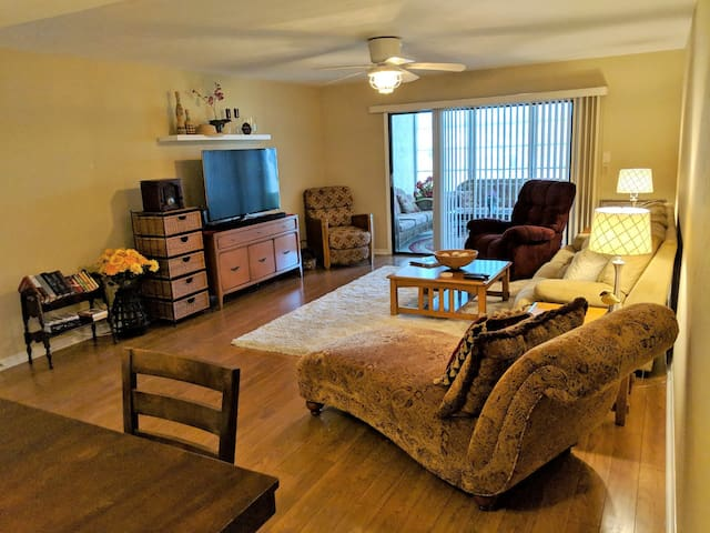 Vacation home sweet home! 2 BR 2.5 bath condo