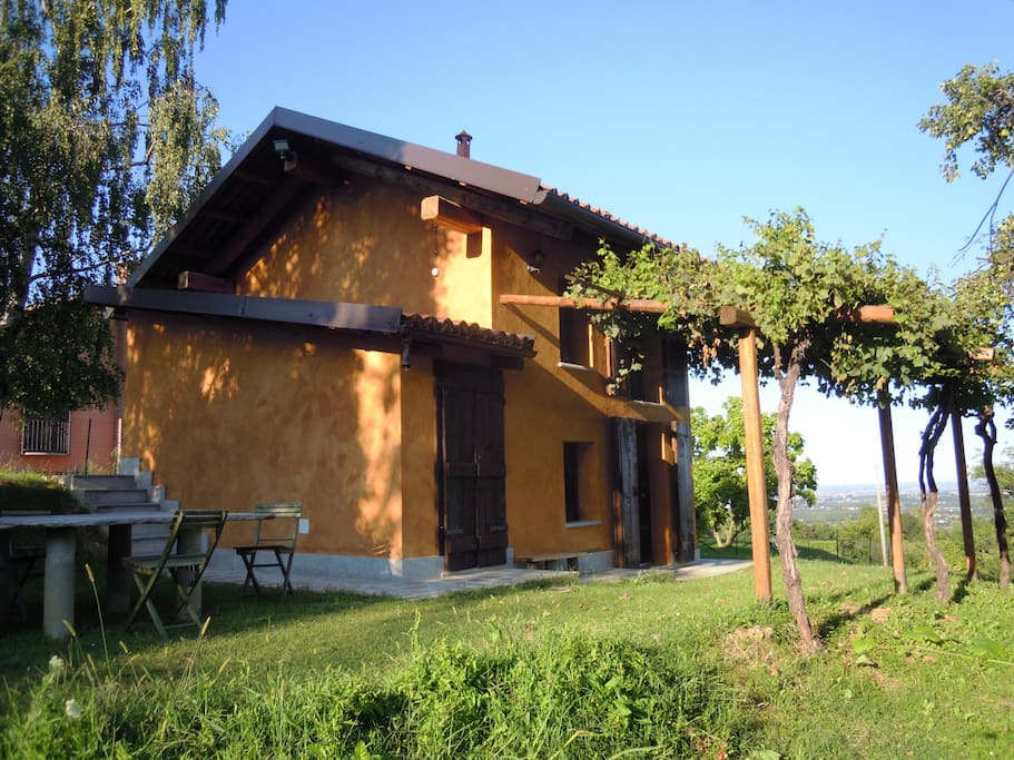 Cottage in the vineyard il ciabutin cottages for rent for Planimetrie di cottage di vacanza
