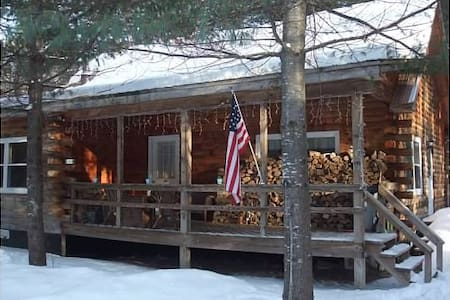 Cozy Log Cabin 5 minutes to Gore Mt - North Creek - Huis