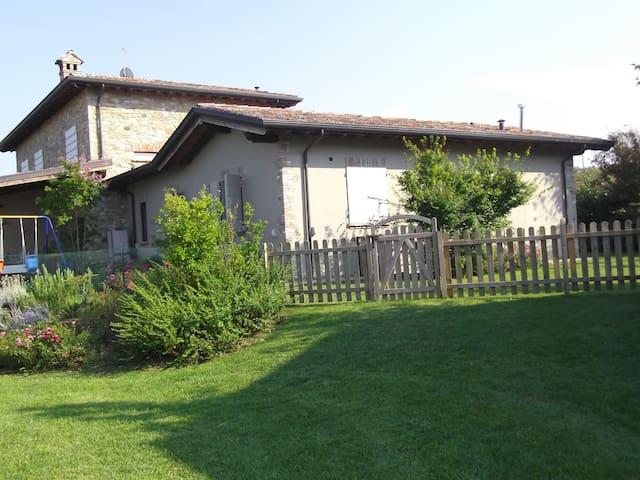 Un angolo di paradiso ad Agazzano - Agazzano - Dom