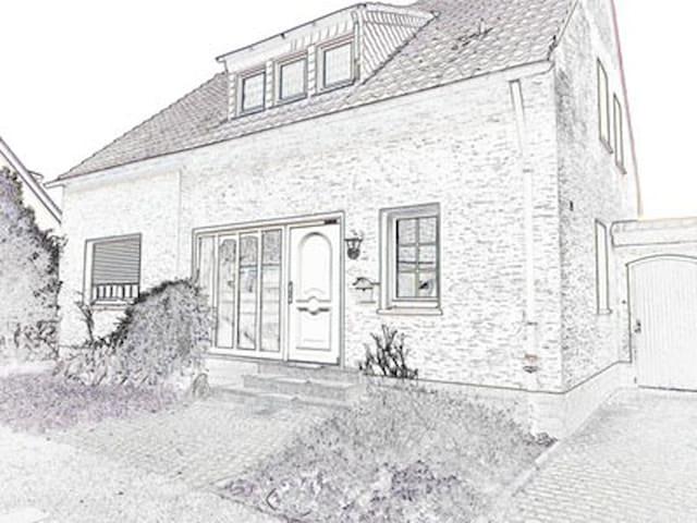 Haus Schiller in Dormagen - groß, gemütlich, ruhig - Dormagen - House