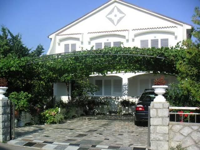 *Villa Mare* bright&modern APT,WiFi - Krk - Lägenhet
