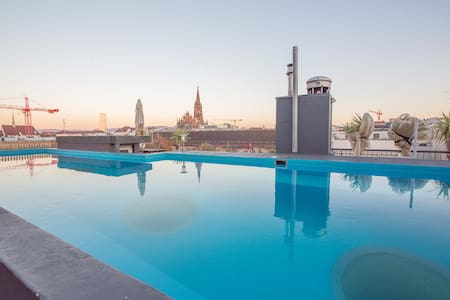 City Loft 6 Room | Rooftop View Pool
